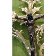 duzy-krzyz-z-jezusem-z-galeziami-mosiadz-jezus-patynowany-2-1024