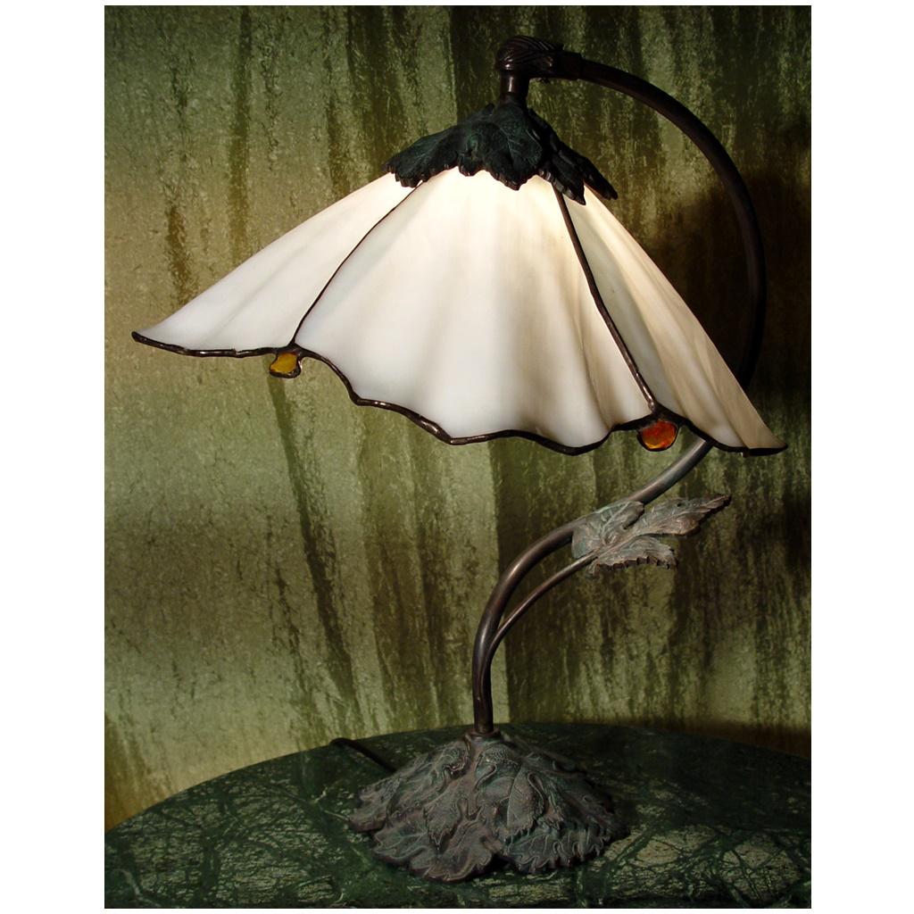 Lampa Dzwonek z bursztynem, spectrum biały