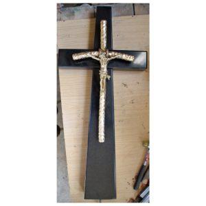 krzyz-nagrobny-z-jezusem-1-1024